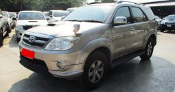 2005 – TOYOTA 4WD 3.0V AT FORTUNER GOLD – 4001