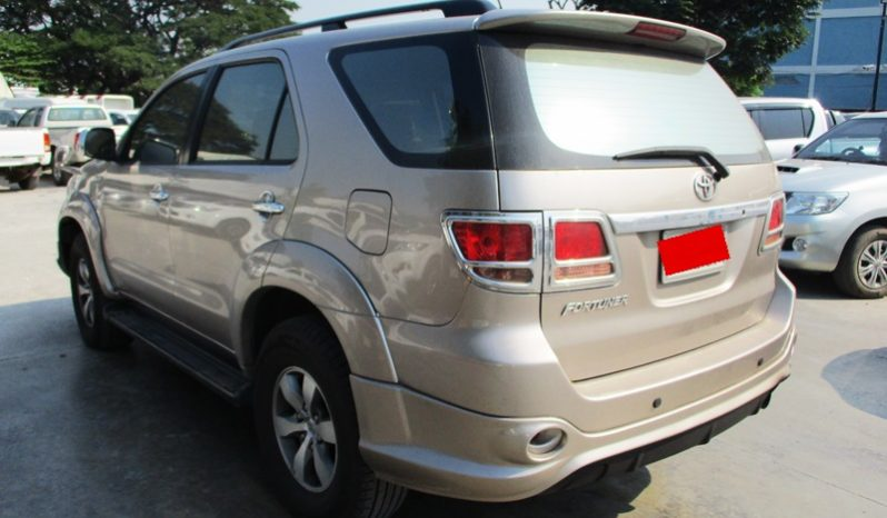 2005 – TOYOTA 4WD 3.0V AT FORTUNER GOLD – 4001 full