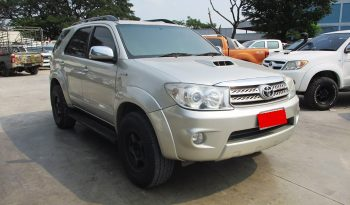 2010 – TOYOTA 4WD 3.0V AT FORTUNER SILVER – 9206 full
