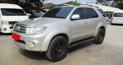 2010 – TOYOTA 4WD 3.0V AT FORTUNER SILVER – 9206