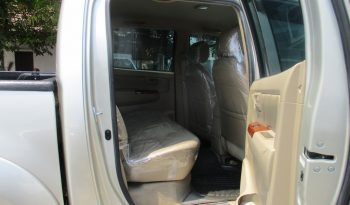 2010 – VIGO 4WD 3.0G AT DOUBLE CAB SILVER – 6258 full