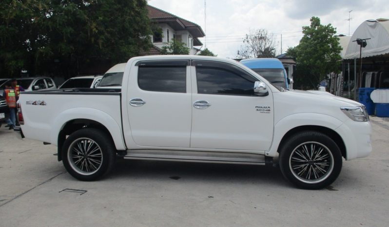 2012 – VIGO 4WD 3.0G AT DOUBLE CAB WHITE – 9915 full
