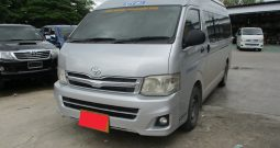 2012 – TOYOTA 2WD 2.5 MT COMMUTER SILVER – 3706