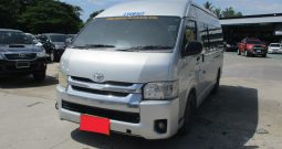 2012 – TOYOTA 2WD 2.5 MT COMMUTER SILVER – 4890