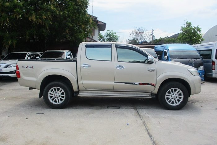 2013 – VIGO 4WD 3.0G AT DOUBLE CAB GOLD – 8823 full