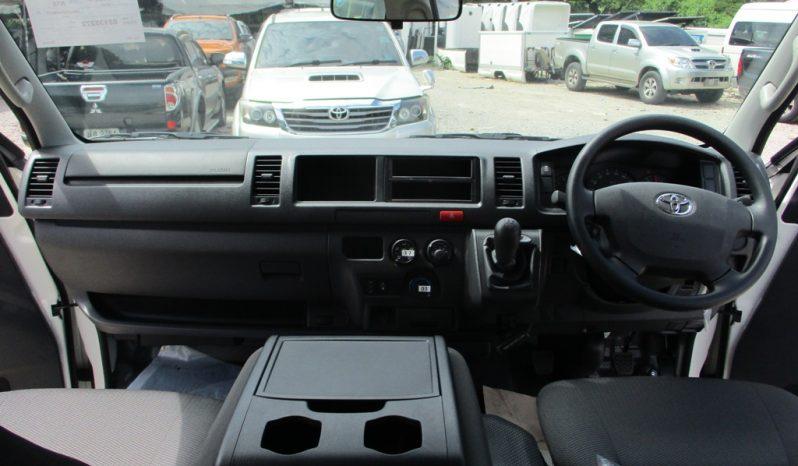 2019 – TOYOTA 2WD 3.0 MT COMMUTER WHITE – 5272 full